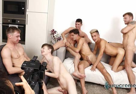 Scene orgy behind