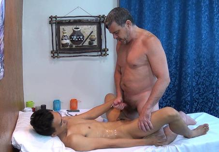 Daddy massaged by his young horny hunk 8
